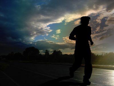 鈴木健吾(神奈川大)は宇和島東高校出身で中学は?マラソン向きの性格!